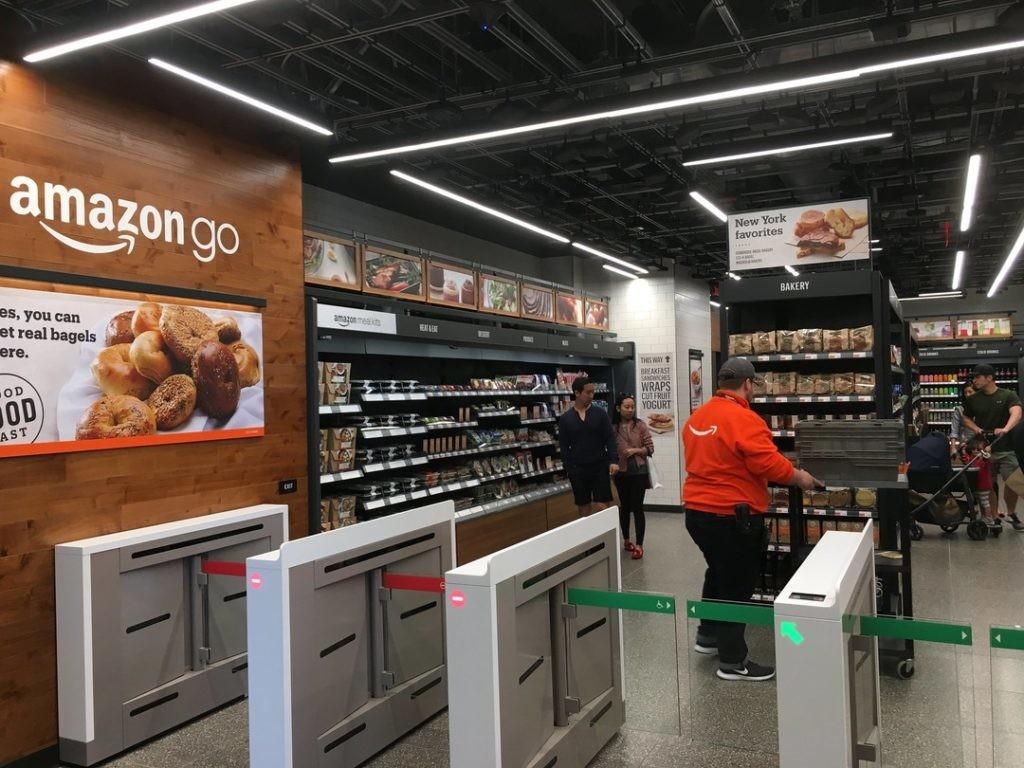 美媒記者破解 Amazon 無人超市的辨識系統,成功「偷」走商品 | TechOrange